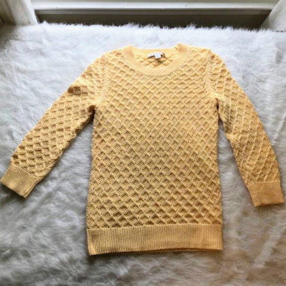 Banana Republic crochet sweater size Small